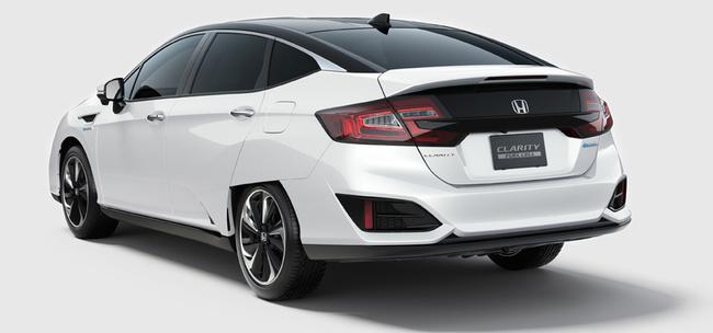 Honda показала предсерийный образец автомобиля на топливных элементах Clarity Fuel Cell