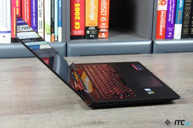 Lenovo_Ideapad_Y700-15_10