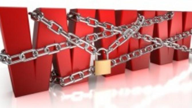google-facebook-censorship-battle-delayed-in-india-court-35f6f22722
