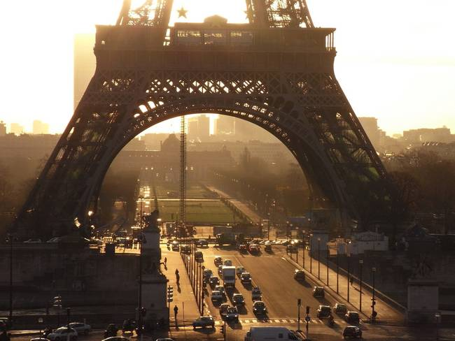 paris-france-eiffel-tower-02.jpg.650x0_q70_crop-smart