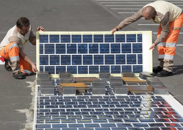 Во Франции построят 1000 км дорого с солнечными панелями