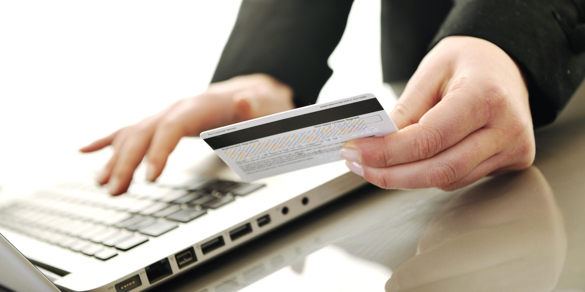 Нацбанк разрешил украинцам получать от нерезидентов электронные деньги по интернету