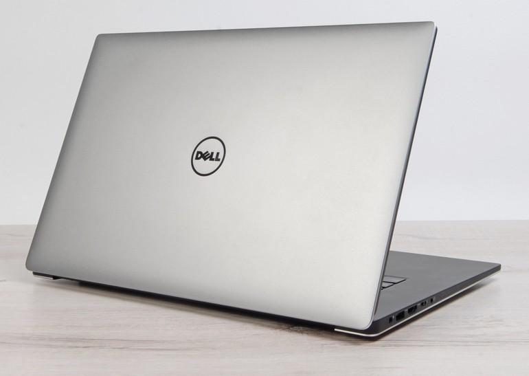 Dell_XPS_15_intro_770-2