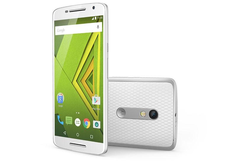 В Украине стартуют продажи смартфона Moto X Play по цене 9999 грн