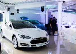 Компания Oxygen Group открыла в Киеве мультибрендовый автосалон электромобилей и установила две скоростные зарядные станции, в планах – собственная служба электротакси