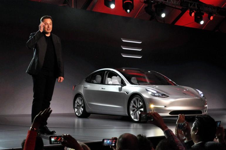 Tesla 3 Mask