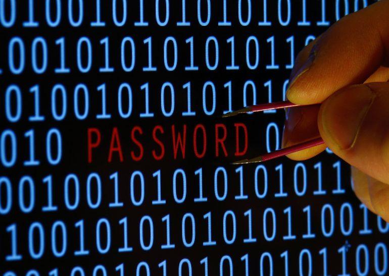 Reuters: Эксперты из Hold Security сообщили об утечке в сеть базы данных с 272 млн аккаунтов Google, Yahoo, Microsoft и Mail.Ru