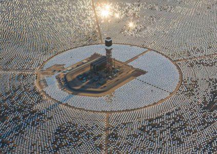 Неправильное позиционирование зеркал привело к пожару на крупнейшей в мире солнечной электростанции