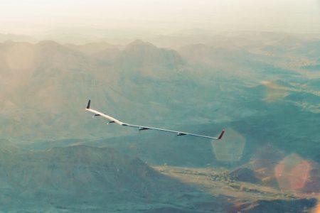 Видео дня: БПЛА Facebook Aquila совершил свой первый испытательный полет
