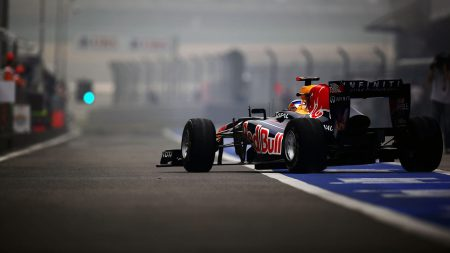 Apple может купить долю в Formula One
