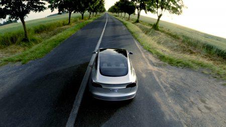 Илон Маск: Автопилот Tesla спасал бы ежегодно полмиллиона жизней на дорогах