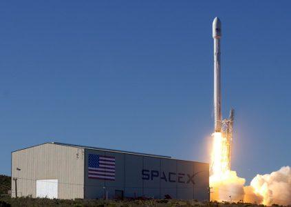Телеком оператор SES первым выведет на орбиту спутник с помощью ракеты SpaceX Falcon 9, уже побывавшей в космосе