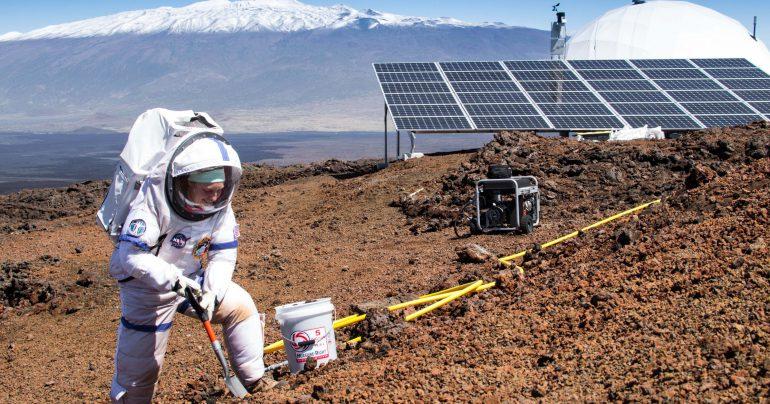 636080052562010533-AP-MARS-MISSION-SIMULATION-73775432