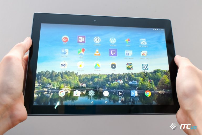Lenovo Tab3 10 Business (4 of 12)