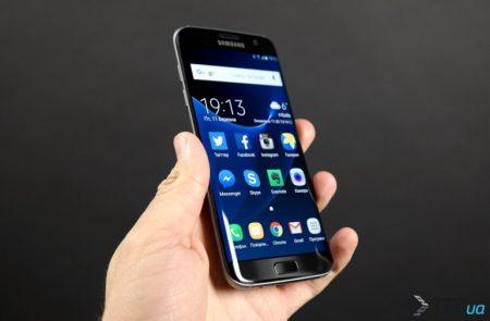 Президент мобильного подразделения Samsung намекнул, что плоских экранов в будущих смартфонах Galaxy S больше не будет