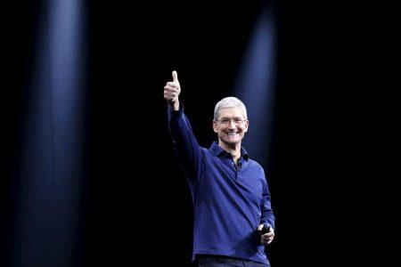 Тим Кук продал часть личных акций Apple на сумму около $36 млн