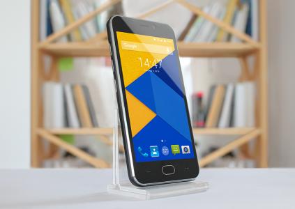Стартовали продажи бюджетного украинского смартфона Pixus hit по цене 1599 грн