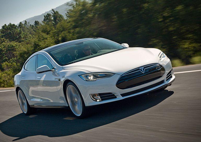 В Норвегии против Tesla подан коллективный иск из-за недостаточной мощности Model S P85D