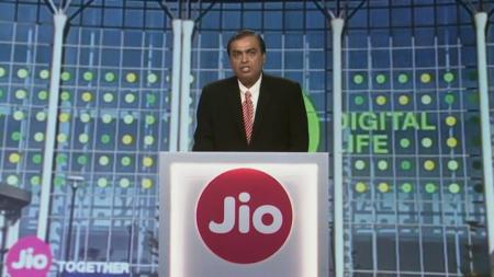 Богатейший человек Индии предложит бесплатный 4G-интернет миллиарду своих соотечественников