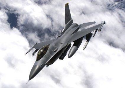 Автопилот истребителя F-16 спас жизнь летчику, потерявшему сознание из-за перегрузок [видео]