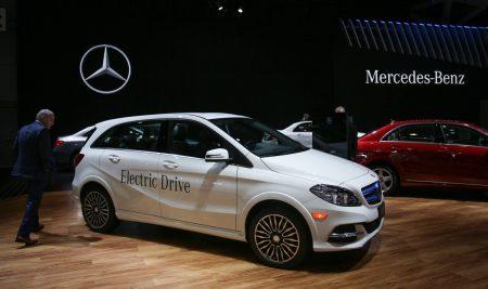Daimler противопоставит Tesla как минимум шесть (максимум девять) полностью электрических автомобилей