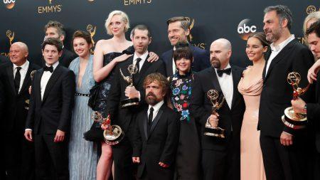 Эмми 2016: «Игра престолов» установила новый рекорд по количеству наград, а Рами Малек получил статуэтку за лучшую мужскую роль в сериале «Мистер Робот»