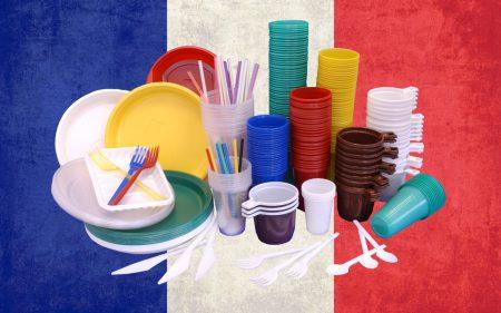 Экология важнее: во Франции запретят продавать одноразовую пластиковую посуду (включая стаканчики) с 2020 года