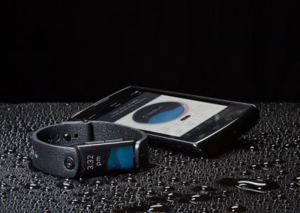 LVL — первый в мире умный фитнес-браслет для измерения уровня гидратации, пульса, активности, качества сна и настроения