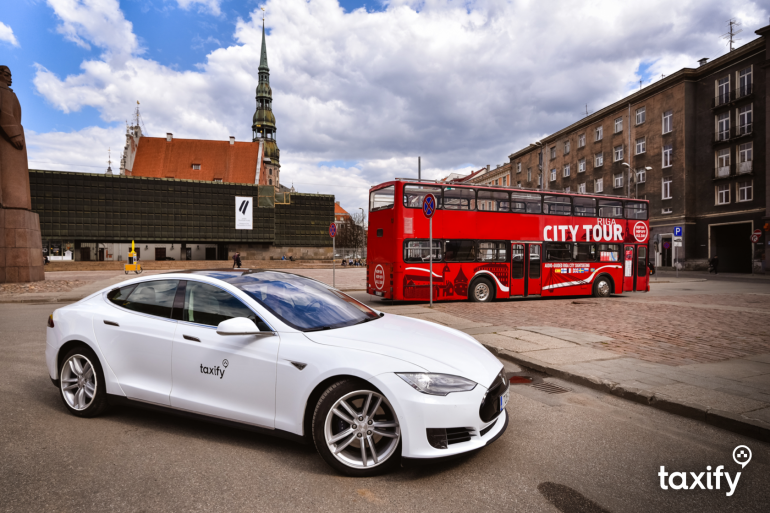 taxify-car-tesla