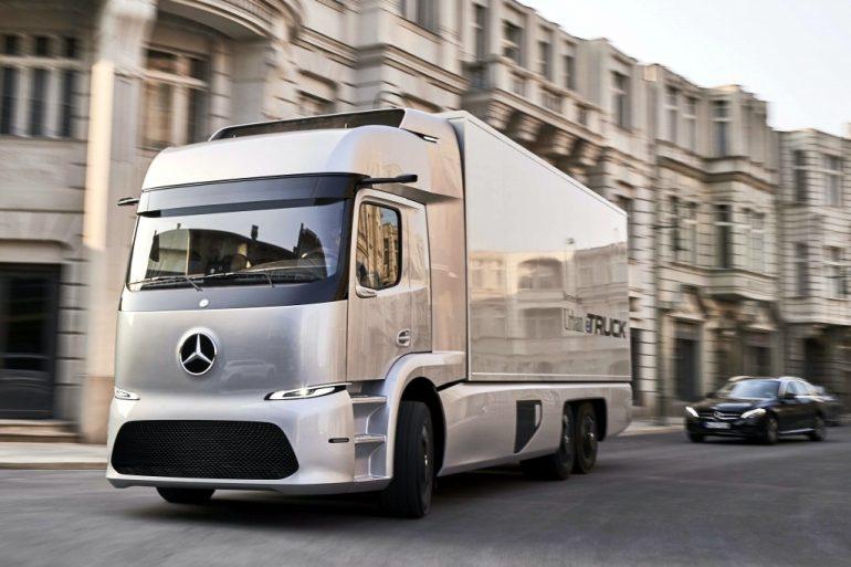 Mercedes-Benz показала обновленный прототип электрического грузовика Urban eTruck на автовыставке в Ганновере