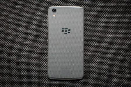 BlackBerry больше никогда не будет производить смартфоны, но уже начала лицензировать свой бренд другим компаниям