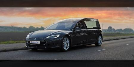 Голландское тюнинг-ателье RemetzCar сделало катафалк из электромобиля Tesla Model S