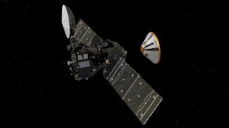 Модуль Schiaparelli миссии ExoMars вышел на финишную прямую и уже завтра должен сесть на Марсе