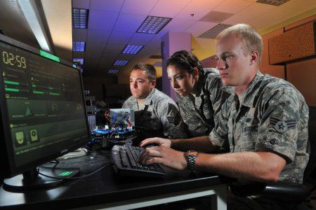 В России запустили закрытый «военный интернет»