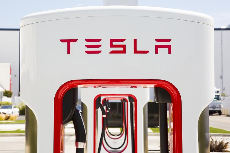 Презентация нового продукта Tesla откладывается до послезавтра