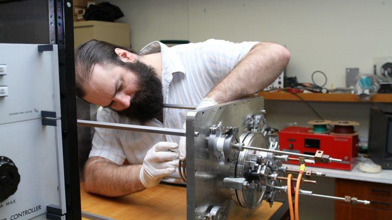 Neumann Drive – ионный двигатель, работающий на космическом мусоре