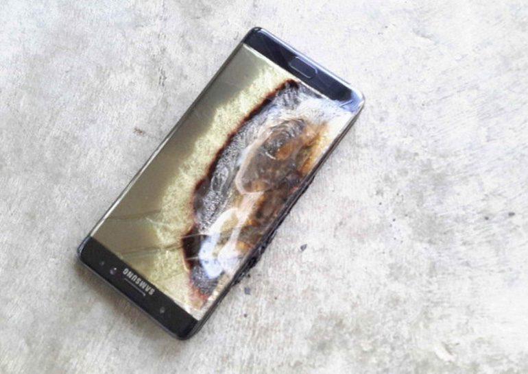 Samsung сама тестировала батареи для смартфонов Galaxy Note7, тогда как Apple и другие пользуются услугами независимых лабораторий