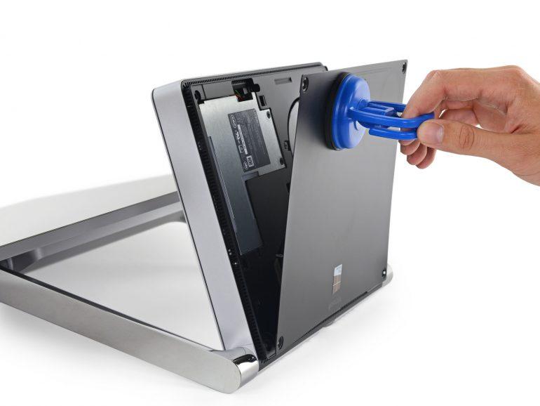 Эксперты iFixit нашли в моноблоке Surface Studio дополнительный ARM-чип и распаянные на материнской плате чипы ОЗУ