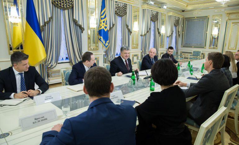 Президент подписал закон, разрешающий заключать внешнеэкономические контракты в электронной форме