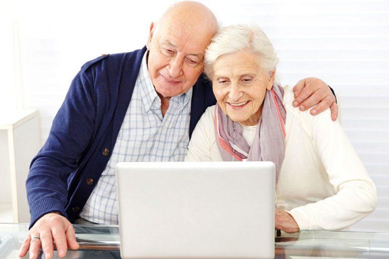 С 1 января 2017 года пенсионные дела украинцев переведут в электронный вид, что позволит оформлять пенсии в онлайне и самостоятельно контролировать накопление средств