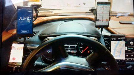 Uber начал деактивировать водителей, которые параллельно работают в других службах такси