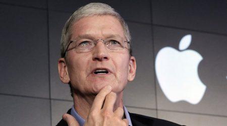 Трамп поговорил с Куком по телефону о переносе производства Apple в США и пообещал «очень большие налоговые льготы»