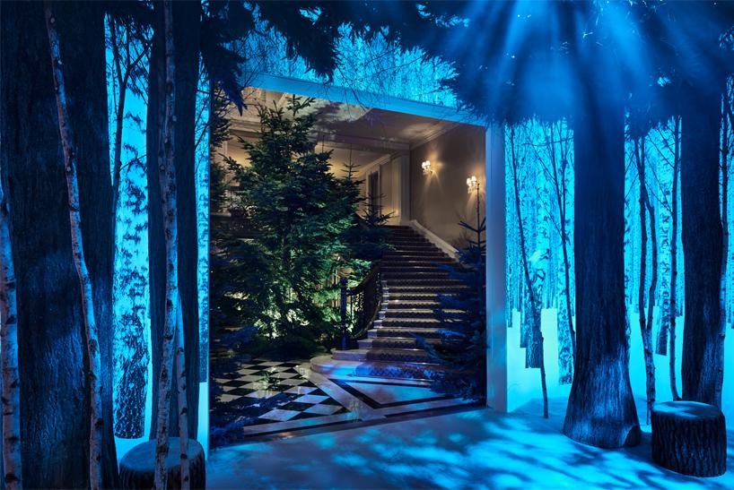 Лондонский отель продемонстрировал ёлку, которую нарядили дизайнеры Apple