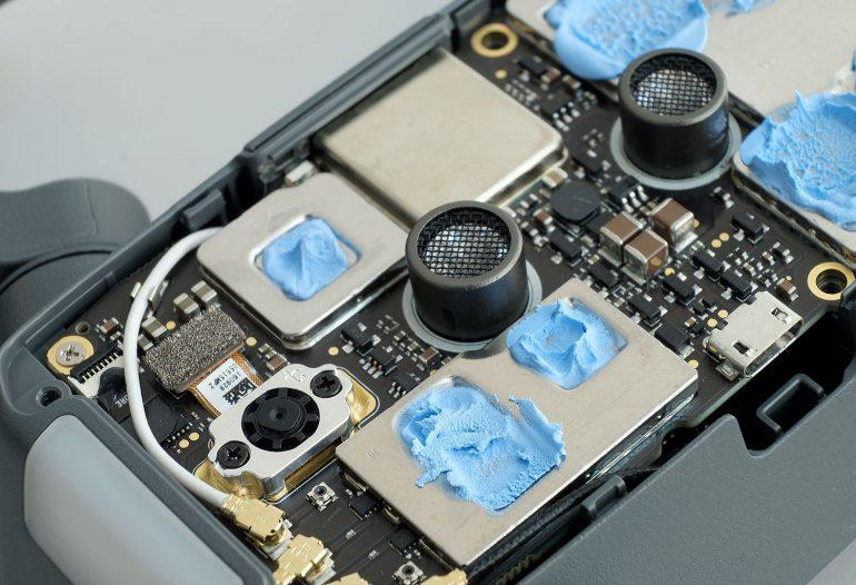 Колпак на камеру mavik правильная установка шнур usb iphone к беспилотнику phantom