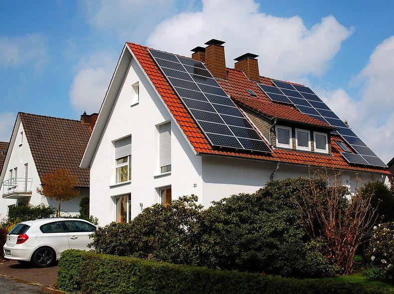 Больше украинцев устанавливают солнечные панели на собственных домах