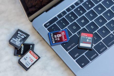 Apple объяснила, почему в новых ноутбуках MacBook Pro нет слота SD