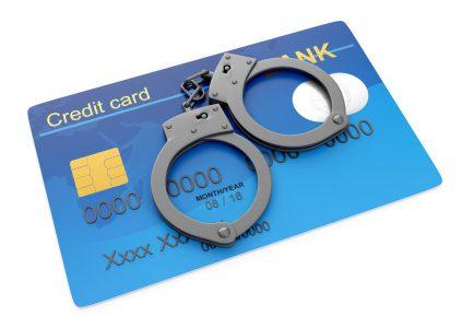 Исследование: Какими способами украинцы защищают свои платежные карты от мошенников в интернете и банкоматах