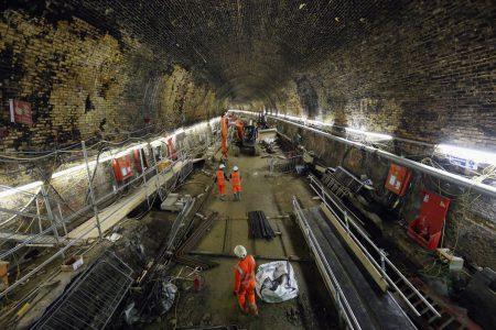Траффик на дорогах довёл Илона Маска, предприниматель пообещал заняться бурением тоннелей