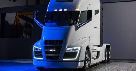 Американская компания Nikola Motor продемонстрировала водородно-электрический тягач Nikola One и анонсировала разработку более компактной и дешевой версии Nikola Two