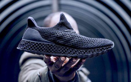 Первая потребительская модель кроссовок Adidas, изготовленных с использованием технологии 3D-печати, оценивается в $333. Продажи стартуют уже завтра